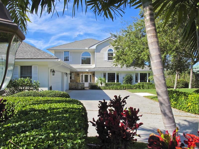Riverfront Home For Sale in Vero Beach