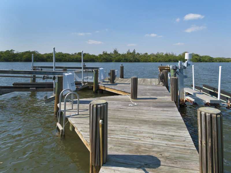 Castaway Cove Riverfront Home Boat Dock
