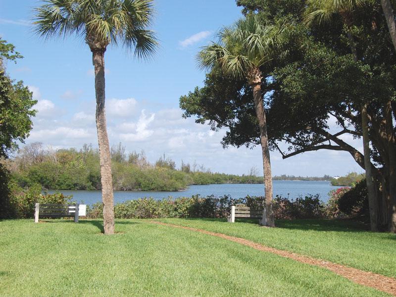 Castaway Cove Neighborhood River Park