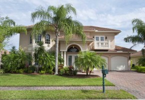 Exterior Front of the Vero Beach Home For Sale in Eagle Trace